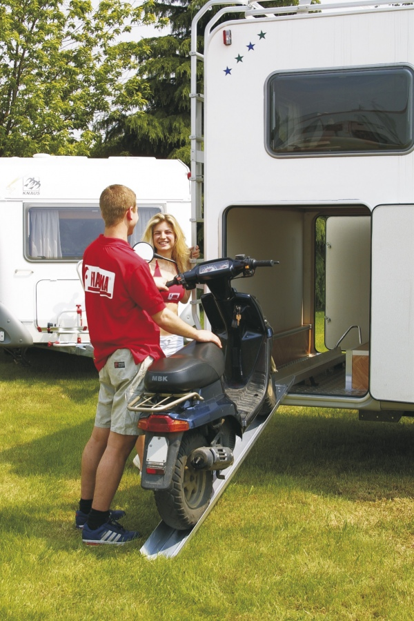 Fiamma carry moto for motorhome garage for Garage scooter 95